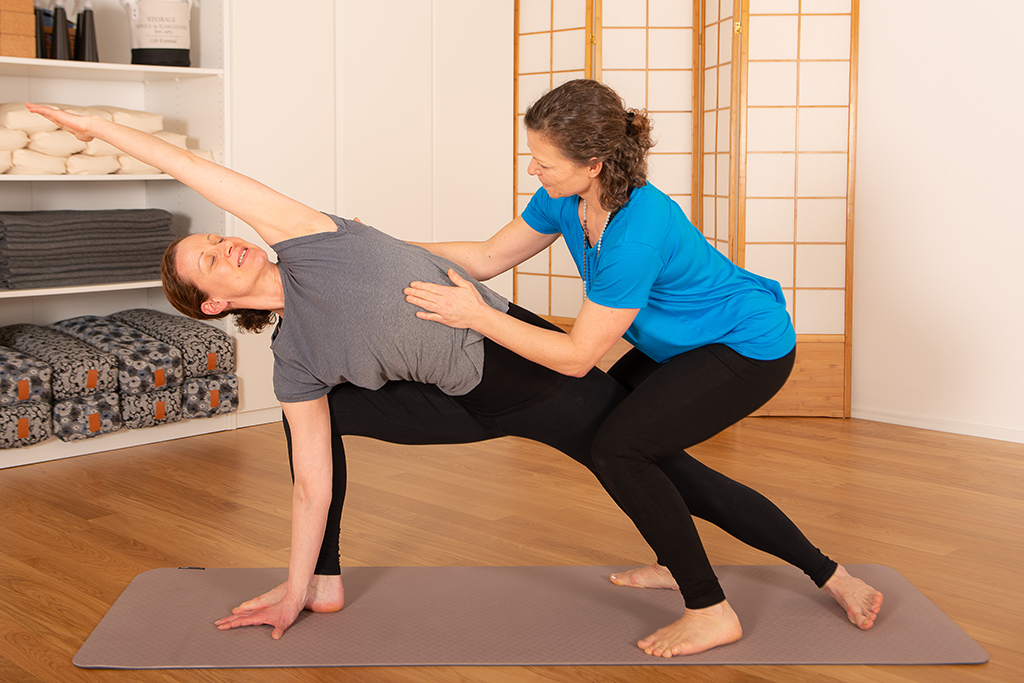 Hands-on-Adjustments im Yoga Coaching